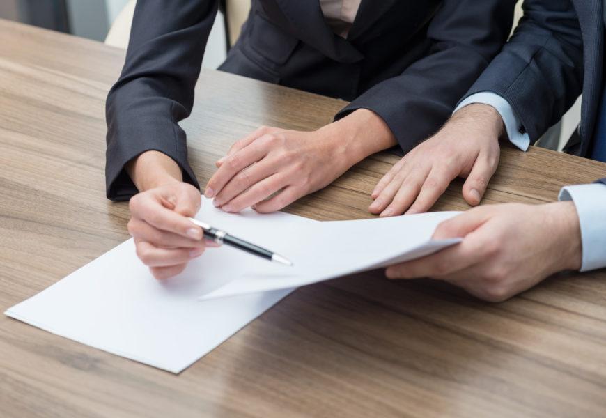Co powinna zawierać umowa o pożyczkę?