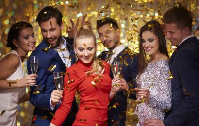 Polacy witają Nowy Rok. Ile wydadzą w Sylwestra?